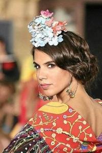 Peinado recogido retro flamenco