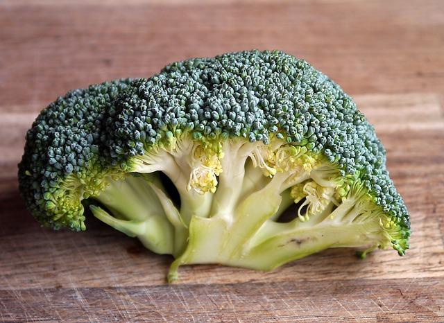 broccoli vitamina A y beta caroteno prevenir pérdida del pelo