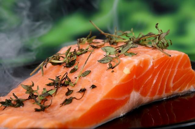 hierro salmón prevenir la pérdida del cabello